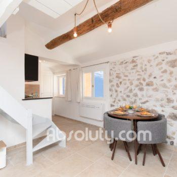 12-2-la-taulissa-livingroom