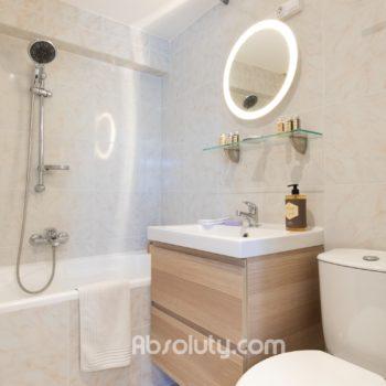 22-la-taulissa-bathroom