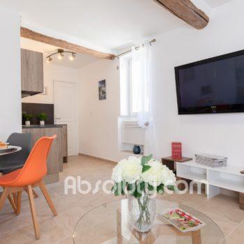 1-la-paia-livingroom